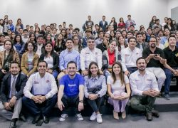 PRODUCE, FACEBOOK Y CDE USAT capacitan a empresarios lambayecanos