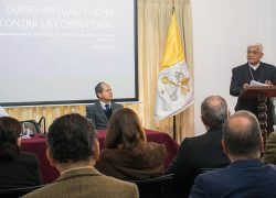 Presidente de la Conferencia Episcopal Peruana presenta curso sobre lucha contra la corrupción