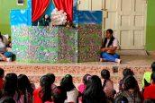 Estudiantes de Educación Inicial realizan Teatro de Títeres a niños de la Parroquia San José