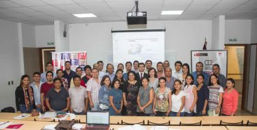 IES – USAT y CDE capacitan a 40 microempresarios con taller gratuito