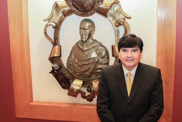 Profesor USAT recibe Mención Honrosa en Congreso Nacional de Contadores