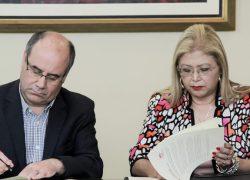UC DAVIS Chile y USAT firman alianza