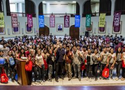 Más de mil escolares descubren su vocación en la EXPOUSAT