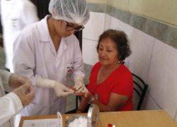 Escuela de Medicina USAT realiza campaña de prevención de diabetes y anemia en el adulto mayor