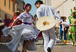 Promoción de la cultura intercultural, una tarea necesaria