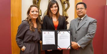 Profesora USAT becaria de la Fundación Carolina