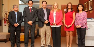 Representante del British Council visita la USAT