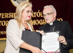 USAT despide con emotivo homenaje a monseñor emérito Jesús Moliné Labarta