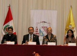 USAT clausura segundo Diplomado en Ética de la Vida y Protección Jurídica de la Vida Prenatal en Lima
