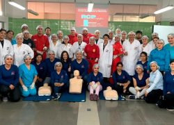 Estudiantes de la Especialidad de Emergencias y Desastres USAT capacitan a Bomberos de Chiclayo en reanimación Cardiopulmonar