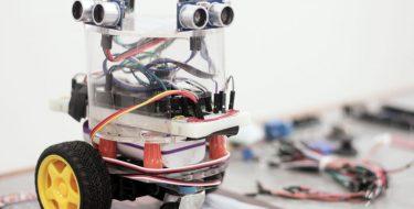 Nuevos equipos de robótica y automatización para Ingeniería USAT