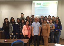 Profesor Visitante desarrolla conferencias en Ingeniería Industrial USAT
