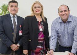 Ministros Dialogan con Autoridades Lambayecanas