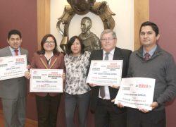 Investigadores USAT reciben premios en el Día del Docente Universitario