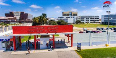 USAT reconoce el esfuerzo de sus docentes por obtener su calificación en Regina