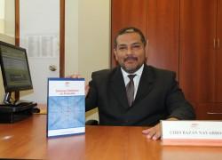 Profesor USAT presenta libro sobre economía