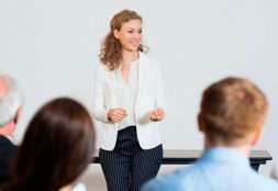 El aula de clases, la comunidad y la vida
