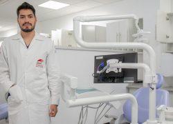 Docente de la Escuela de Odontología USAT participó como conferencista en importante Congreso en Brasil