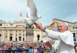 Papa Francisco, mensajero de fe y esperanza