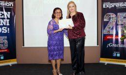 USAT recibe reconocimiento del Semanario Expresión