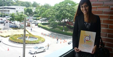 Profesora USAT participa como ponente en Seminario Internacional
