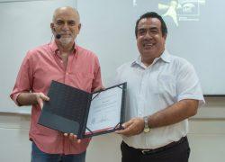 Ricardo Bedoya desarrolla conversatorio sobre cine peruano en la USAT