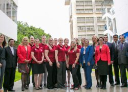 Estudiantes de la Universidad Estatal de Washington visitan la USAT